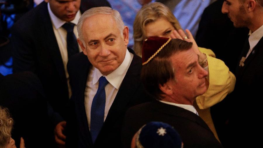 Premiê de Israel, Benjamin Netanyahu, e o presidente Jair Bolsonaro durante evento em sinagoga em Copacabana antes da posse do brasileiro, em dezembro - Leo Correa/AFP