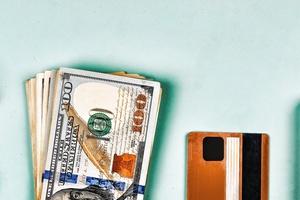 Resultado de imagem para Quem usar cartão no exterior agora pode pagar pelo dólar do dia da compra