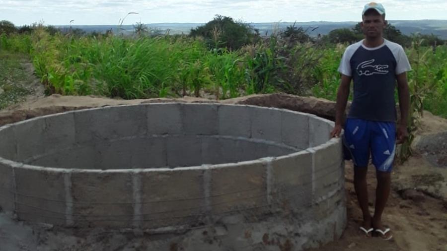 Givanilson Ramos Pereira anda meia hora para conseguir água e decidiu fazer cisterna em casa - Arquivo pessoal
