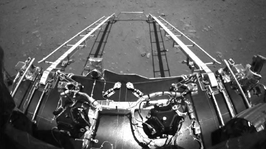 Foto em preto e branco divulgada pela agência espacial chinesa - CNSA