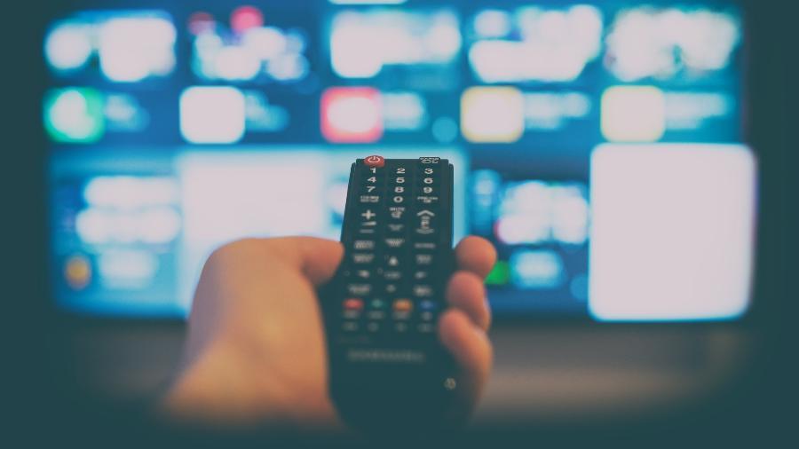 Aparelhos pequenos e bem mais baratos que uma TV nova podem transformar seu aparelho antigo em Smart - Getty Images
