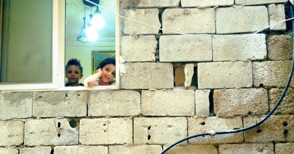 A cada aumento populacional em Chatila, no Líbano, os edifícios da área ganham novos andares, quase sempre de maneira precária