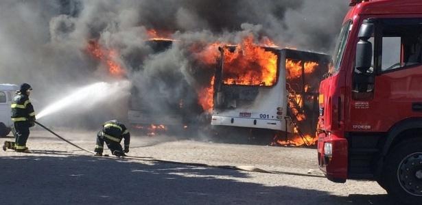 Na última semana, 8 ônibus foram queimados e 1 totalmente depredado em Natal