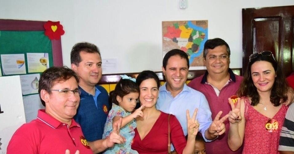 Acompanhado do governador Flávio Dino (PC do B), Edivaldo Holanda Junior (PDT) vota em São Luís (MA)