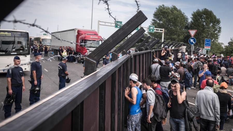 Hungria criminalizou esforços para ajudar refugiados que pendem proteção do estado, segundo Justiça Europeia - Sergey Ponomarev/The New York Times