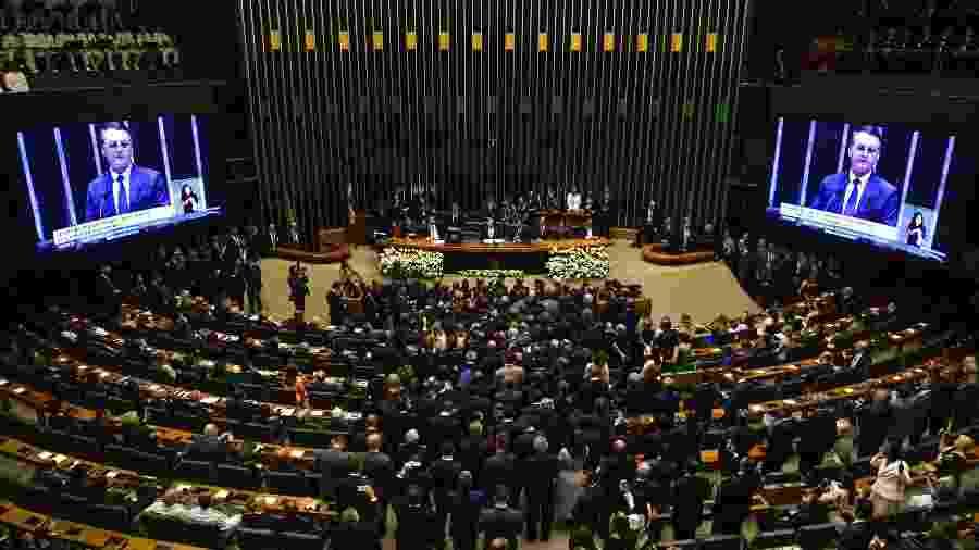 O presidente eleito Jair Bolsonaro toma posse, em sessão solene no Congresso Nacional (1.jan.2019) - Nelson Almeida/AFP