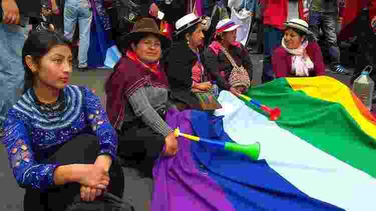 'Somos mães, mulheres e filhas. Estamos vindo das diferentes Províncias para exigir que o Estado não mate nosso povo', disse Marta Chango (2ª à esq.) - Matías Zibell