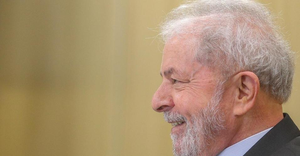 Lula concede entrevista ao UOL na carceragem da Polícia Federal