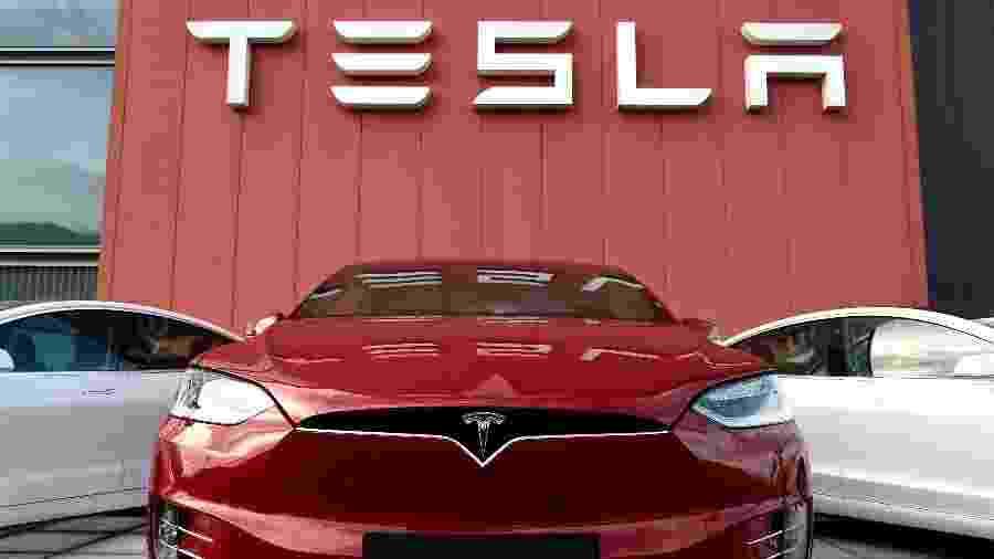 Tesla vira montadora mais valiosa dos EUA - John Thys/AFP