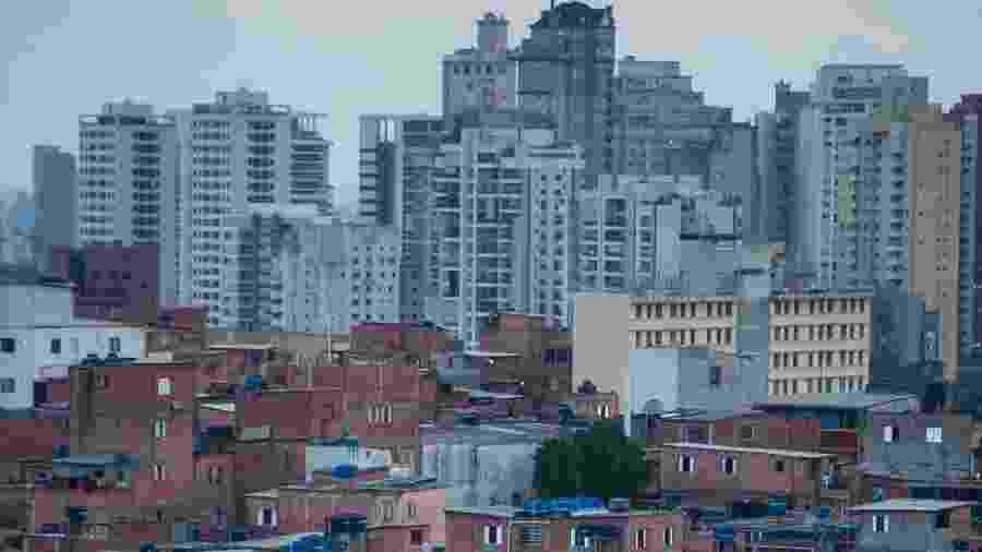 Vista da comunidade de Paraisópolis, na zona sul de São Paulo, onde nove pessoas morreram pisoteadas durante baile funk - TIAGO QUEIROZ/ ESTADÃO