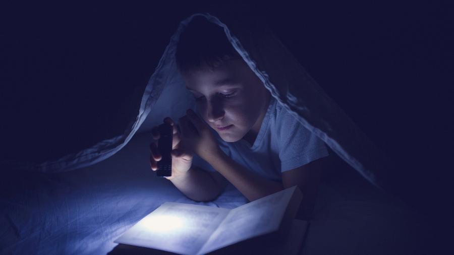Lanternas, carregadores portáteis e outros itens pode te ajudar numa emergência sem energia elétrica - Getty Images