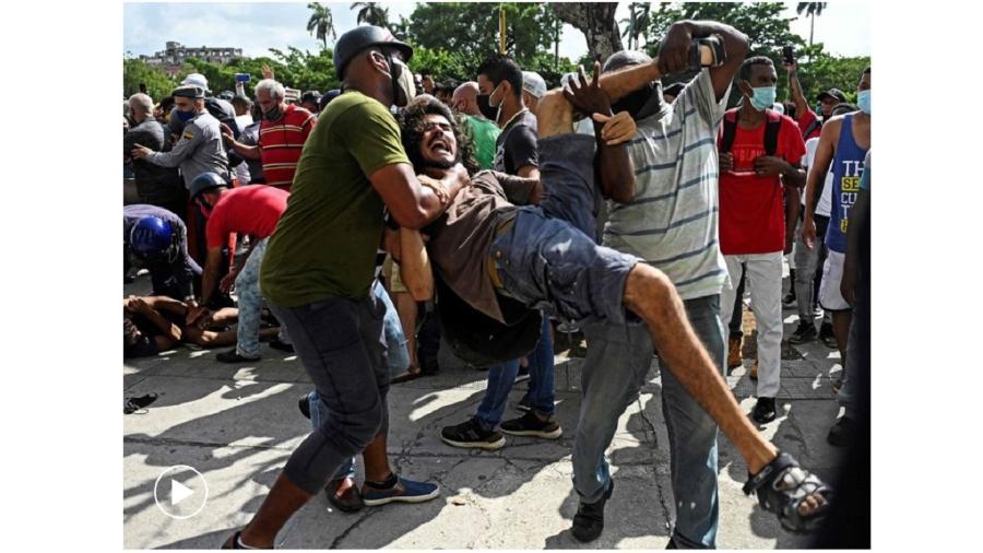 Protesto em Cuba teve manifestantes presos pelas forças de segurança - AFP/Vídeo: EPV