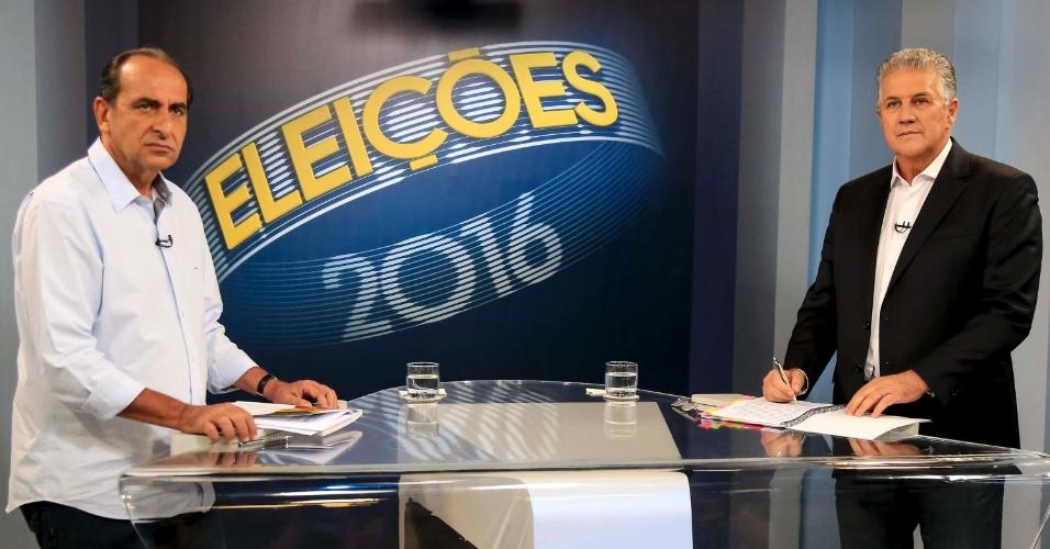 28.out.2016 - Os candidatos à prefeitura da capital mineira Alexandre Kalil (PHS, à esq) e João Leite (PSDB) participam do último debate no segundo turno das eleições, organizado pela Rede Globo