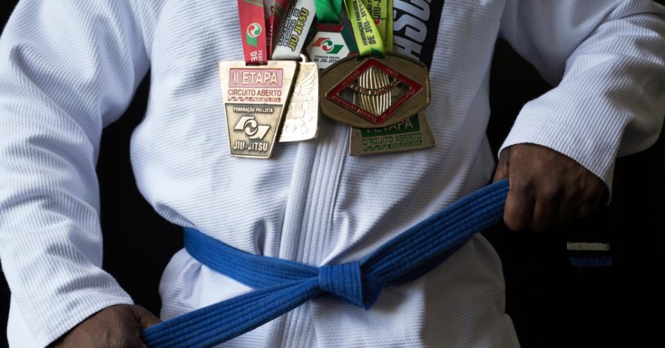 Ex-dependente químico, o hoje atleta de jiu-jítsu Jhones Anderson da Cruz Quintiliano passou por tratamento e hoje trabalha como missionário junto a usuários da cracolândia em SP