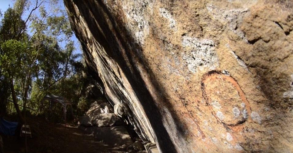 Abrigo em Itapeva (SP) guarda pintura rupestre e outros artefatos de homens pré-históricos