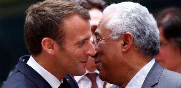 Emmanuel Macron, presidente da França, encontra-se com o primeiro ministro de Portugal, António Costa, em Bruxelas, no início da cúpula da União Europeia
