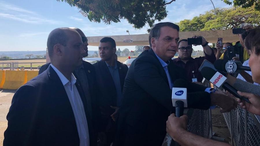 """Bolsonaro lamenta críticas de Celso de Mello e diz ter sido """"esculachado"""" pelo ministro - Luciana Amaral/UOL"""