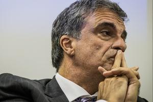 Bolsonaro se valeu de seu poder para tentar sequestrar a PF, diz Cardozo  (Foto: Bruno Santos - 14.ago.2017/Folhapress)