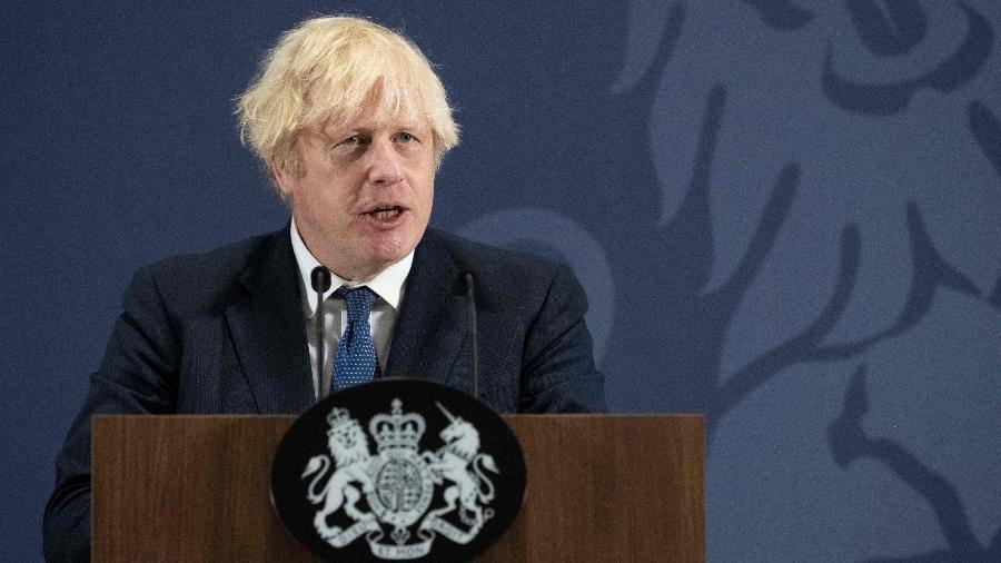 """""""População tem que permanecer cautelosa. Essa é a abordagem do governo"""", disse o premiê Boris Johnson - David Rose/AFP"""