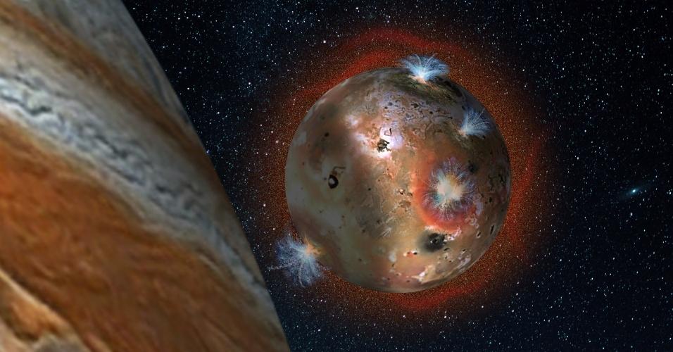 """2.ago.2016 - LUA VULCÂNICA - Júpiter possui 63 luas no total. Entre os satélites naturais está Io, que pode ser classificada como uma das mais incomuns luas em nosso sistema solar por ter vulcões ativos. Para se ter uma ideia, Io é apelidada de """"inferno"""" e é o local conhecido com maior atividade vulcânica em todo o Sistema Solar. Cientistas da Nasa (Agência Espacial Norte-Americana) estão estudando a atividade e a atmosfera dessa lua de Júpter"""