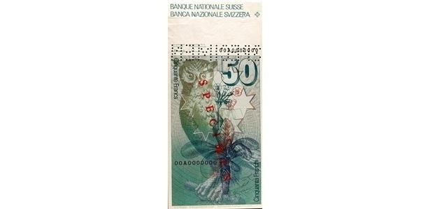 Suíça: duas cédulas de francos suíços que começaram a circular em 1976 tinham imagens de animais. Uma delas é a de 50 francos e retrata um bufo-real, um tipo de coruja comum na Europa