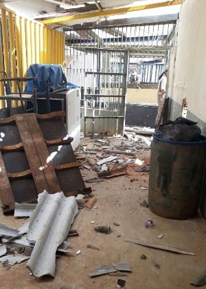 Foto mostra destruição após rebelião de presos em Goiás