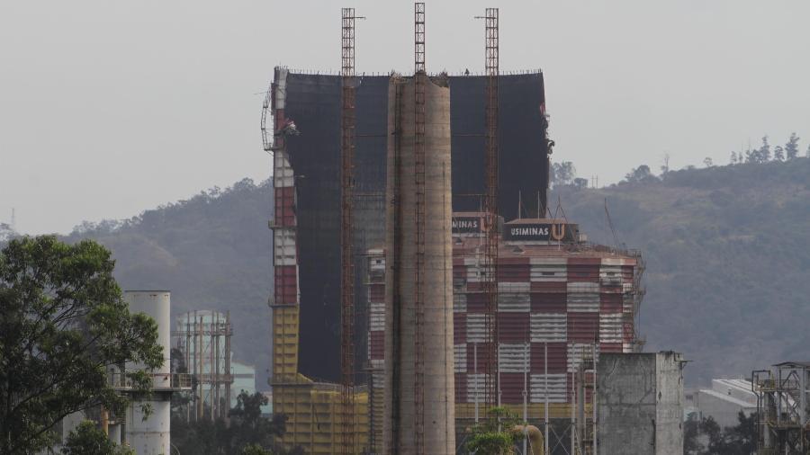 A Usiminas vai paralisar operações de seu alto forno nº 2 da usina de Ipatinga (MG) após um incidente ocorrido em 24 de setembro - Sergio Roberto/Futura Press/Estadão Conteúdo