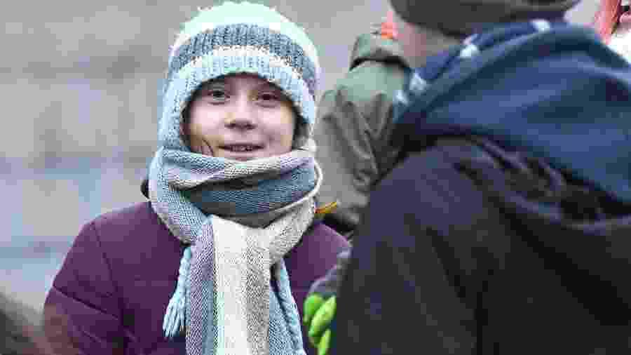 Ativista completou 17 anos no dia em que participou de um protesto de sete horas diante do Parlamento sueco - Claudio Bresciani/TT News Agency/AFP