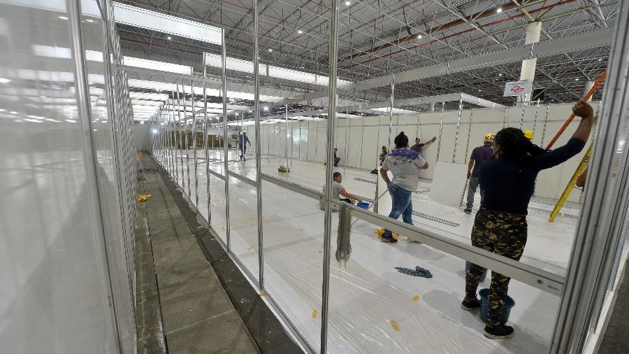 Hospital de campanha, localizado no Complexo do Anhembi, na zona norte da capital, receberá 1.800 leitos - FRANCISCO CEPEDA/AGÊNCIA O DIA/AGÊNCIA O DIA/ESTADÃO CONTEÚDO