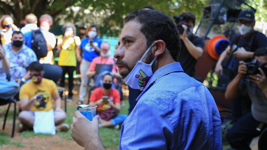 Guilherme Boulos (PSOL) participa de conversa com empreendedores e pequenos comerciantes - Alex Falcão/Futura Press/Estadão Conteúdo