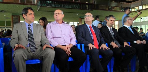 1.out.2015 - O então secretário de Segurança do Rio, José Mariano Beltrame, durante cerimônia de premiação de policiais de UPPs