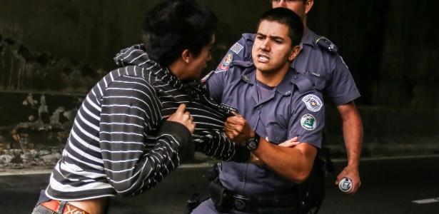 Estudantes bloquearam Marginal Tietê hoje mais cedo; houve confronto - André Lucas Almeida/Futura Press/Estadão Conteúdo