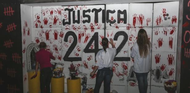 Em janeiro de 2013, 242 pessoas morreram na tragédia e outras 636 ficaram feridas