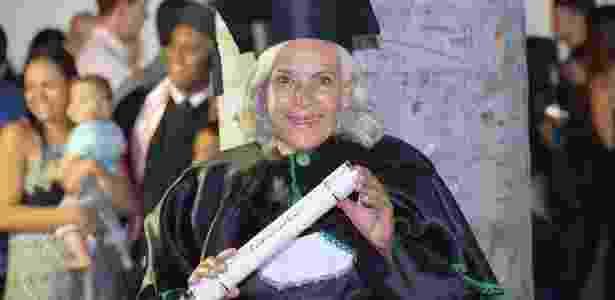 Maria Madalena Silva, 68, foi cozinheira por 20 anos e agora se formou em serviço social - Fernanda Queiroz/Arquivo Pessoal