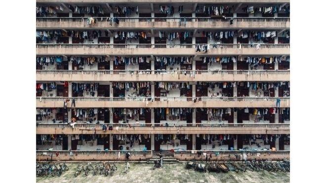 1º.jul.2016 - Esta foto de um dormitório estudantil feita em Guangzhou, na China, por Wing Ka H, ficou em segundo lugar na categoria Cidades