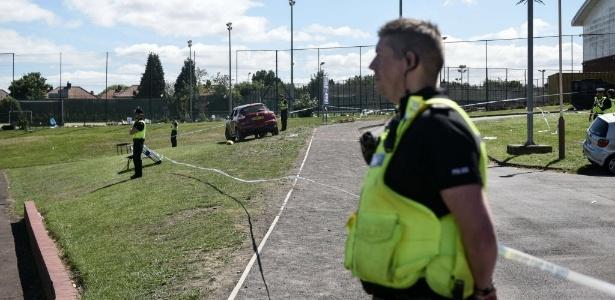 Policiais isolaram local do atropelamento