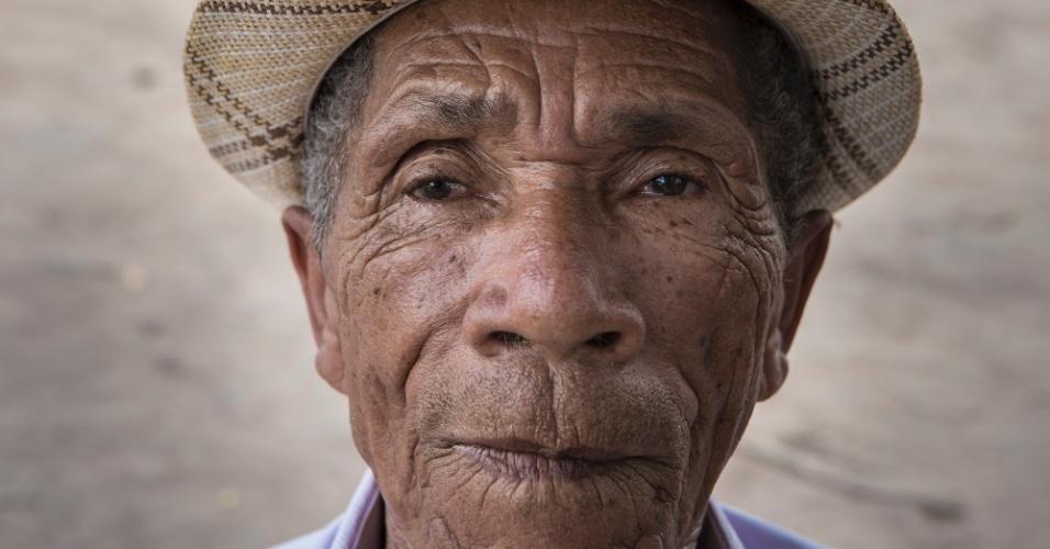 Avô de Ednaldo Lopes Leite, Abdon foi despejado de casa em ação movida por outra empresa instalada em Formosa. Nem os remédios de casa puderam tirar