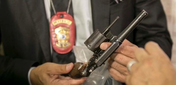 Revólver usado pelo suspeito de ter matado Arthur foi encaminhado para perícia