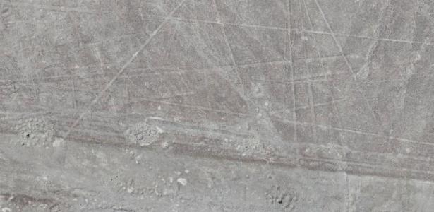 Mais de 50 geoglifos são descobertos em deserto de Nazca, no Peru