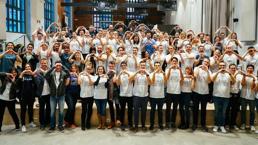 Equipe da Buffer, empresa de tecnologia em São Francisco (EUA) que divulga os salários dos funcionários numa tabela - Divulgação