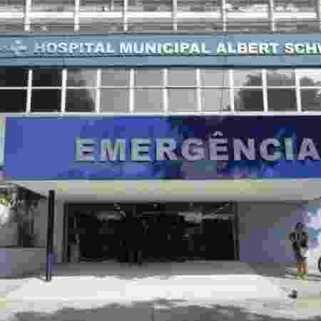 Vítimas foram encaminhadas ao Hospital Municipal Albert Schweitzer, em Realengo - Ricardo Cassiano/Prefeitura do Rio