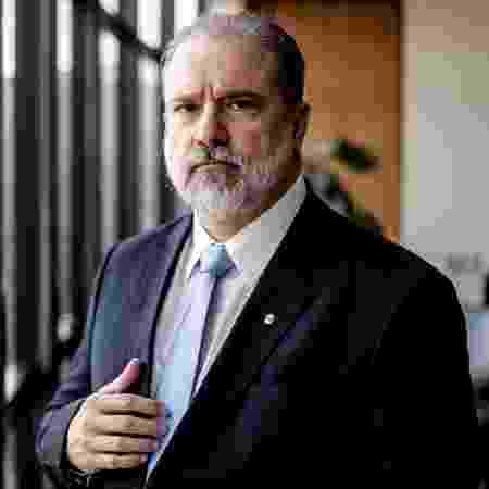 1º.out.2019 - O procurador-geral da República, Augusto Aras, durante entrevista em seu gabinete na PGR, em Brasília, nesta terça-feira, 1º de outubro de 2019 - Gabriela Biló - 1º.out.2019/Estadão Conteúdo