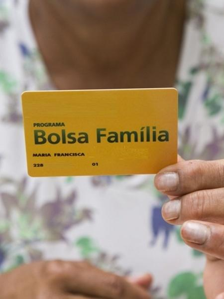 Cartão de beneficiário do Bolsa Família - Divulgação