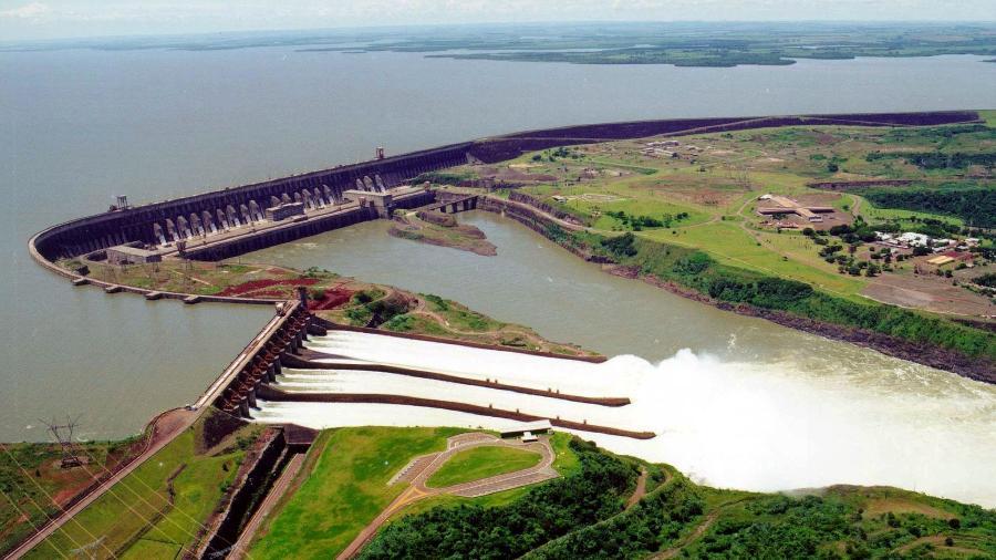 Vista aérea da usina hidrelétrica de Itaipu, em Foz do Iguaçu (PR) - Reuters