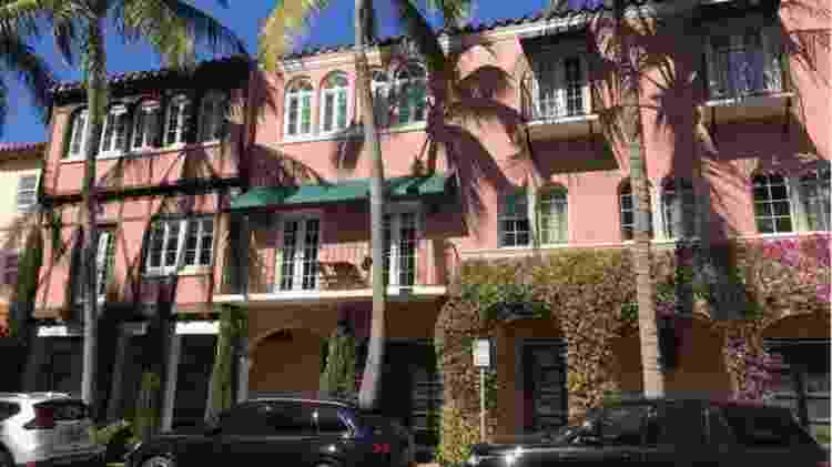A avenida Worth é a via comercial mais luxuosa de Palm Beach. - BBC - BBC