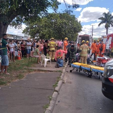 Mulher e filho foram atropelados e arrastados no asfalto - Divulgação/CBMDF