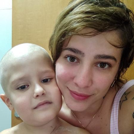 Francisco e a mãe são de Porto Nacional (TO) e estão morando em Barretos onde criança faz tratamento - Arquivo Pessoal