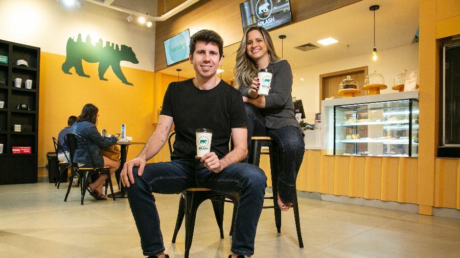 Os empresários Lucas Moreira e Brunna Farizel são sócios da Splash Bebidas Urbanas - Divulgação