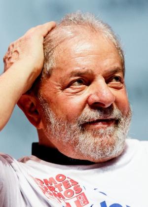 O ex-presidente Luiz Inácio Lula da Silva participa do ato na região central do Rio de Janeiro