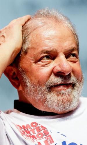 6.jun.2016 - O ex-presidente Luiz Inácio Lula da Silva participa do ato 'Se é público, é para todos', na Fundição Progresso, na Lapa, região central do Rio de Janeiro